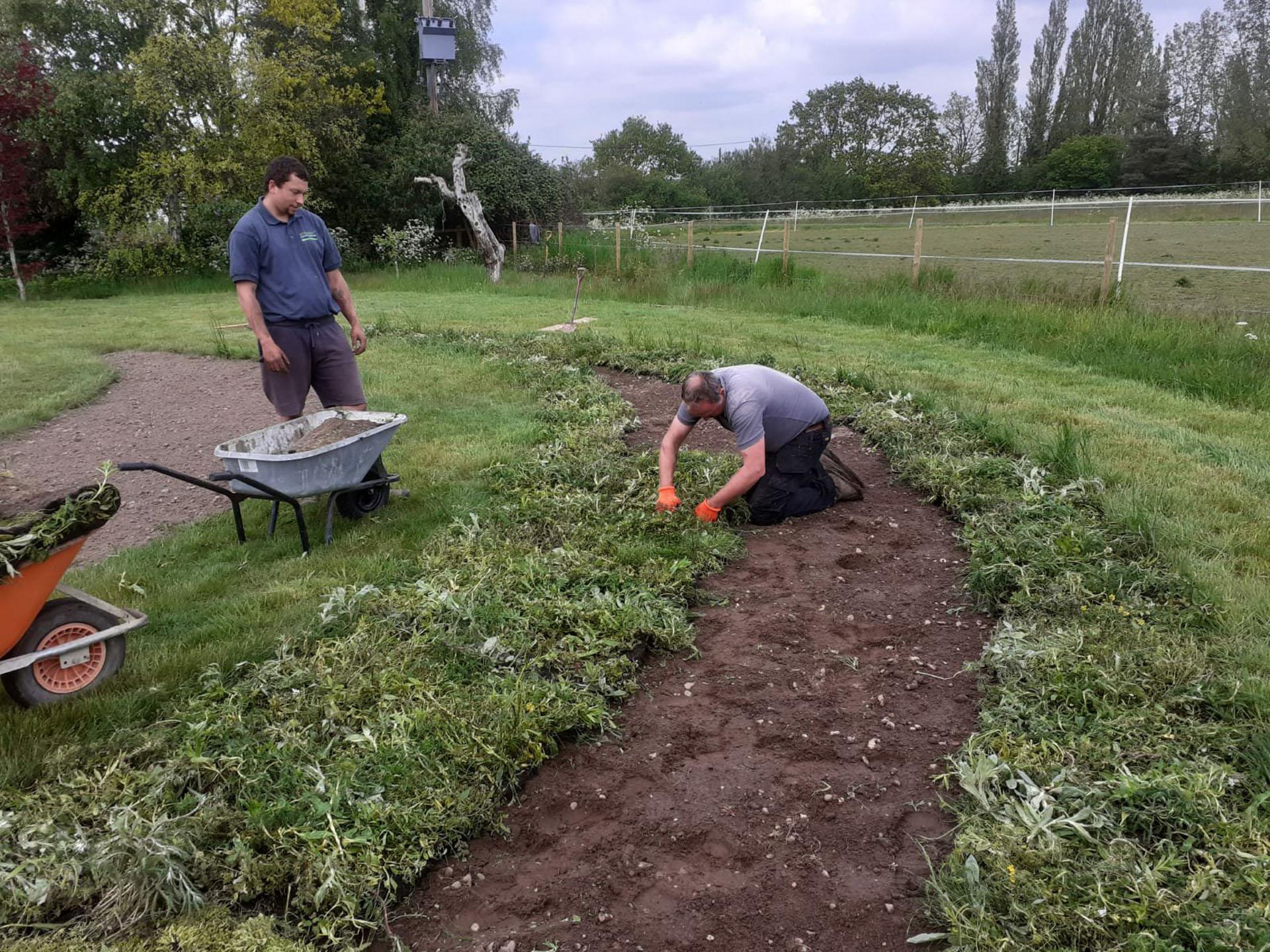 Team - Laying Crescent turf